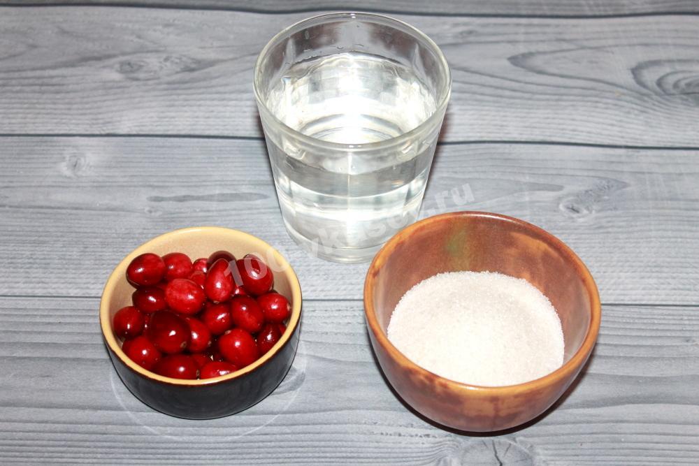 Клюква, вода и сахар