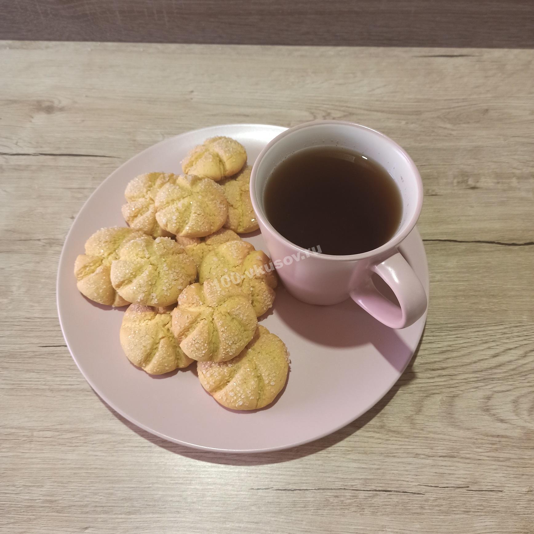 Песочное печенье и чай
