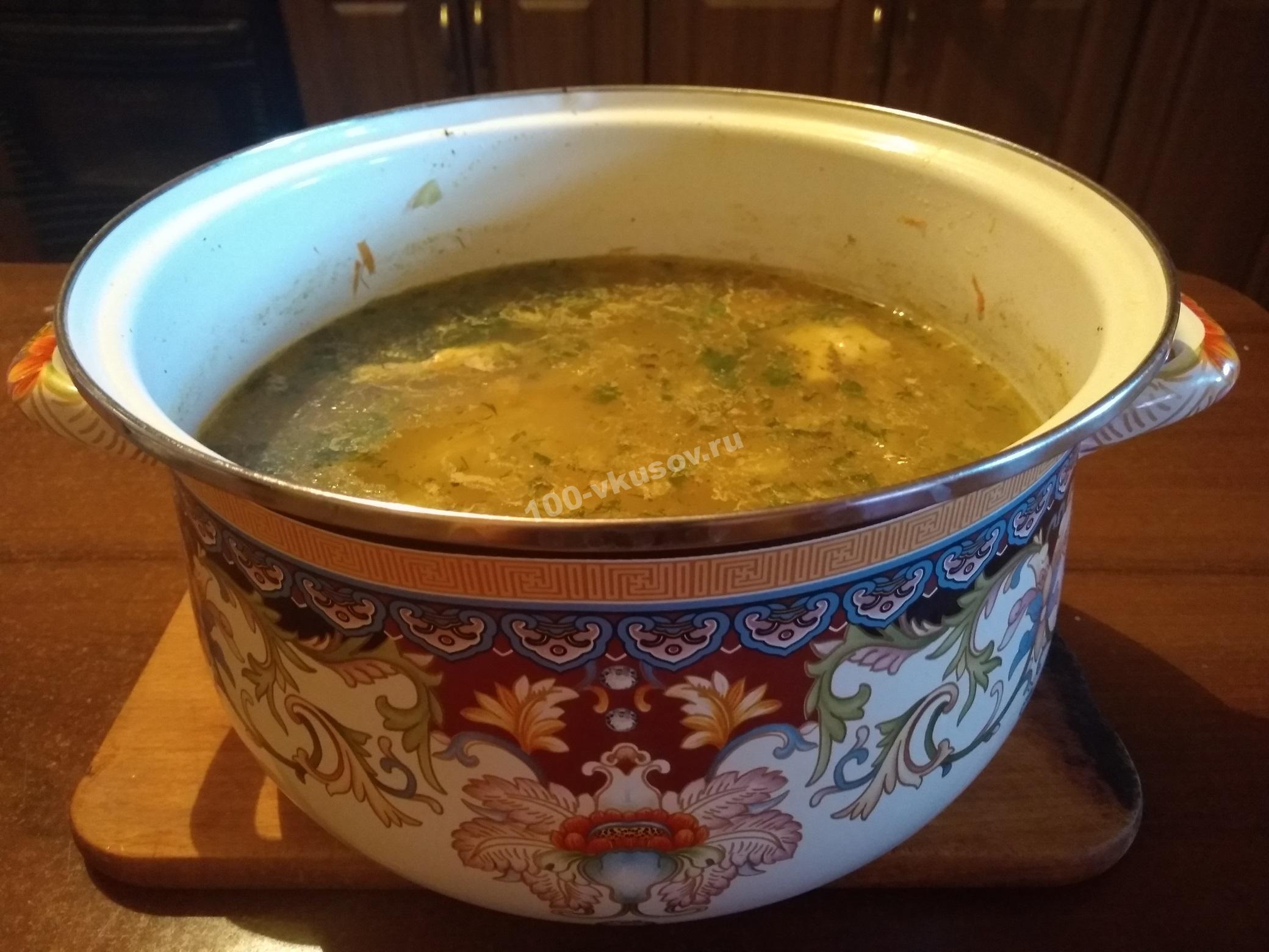 Готовый куриный суп с вермишелью