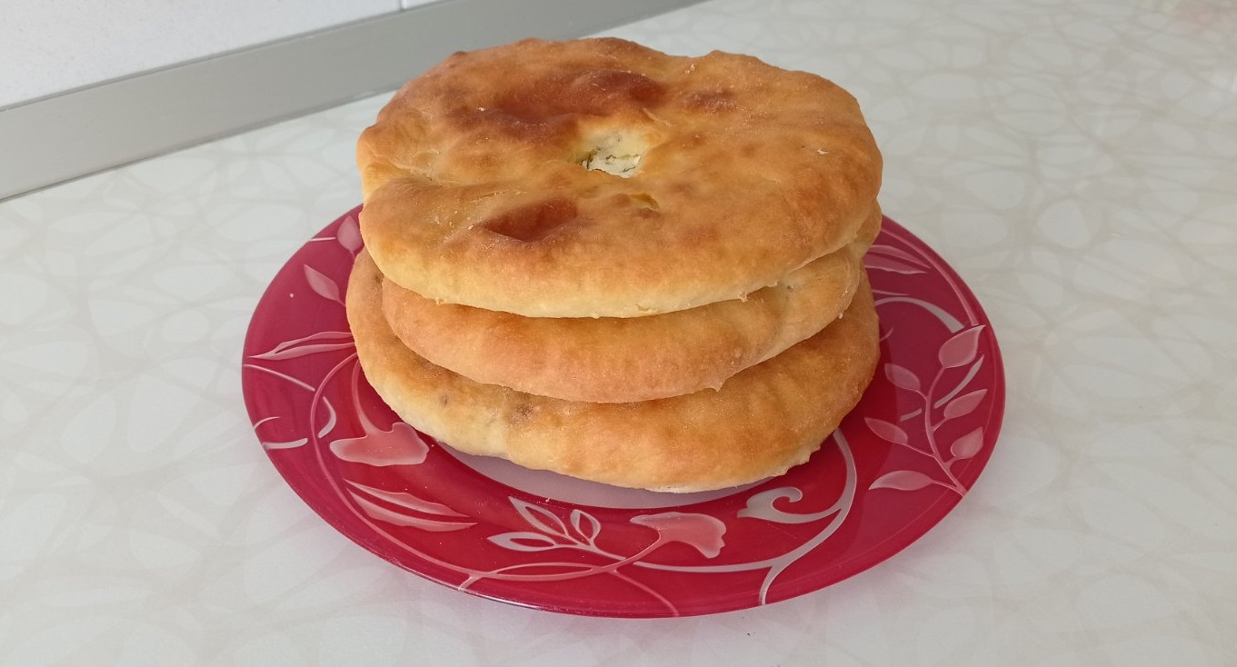 Осетинские пироги на кефире с дрожжами