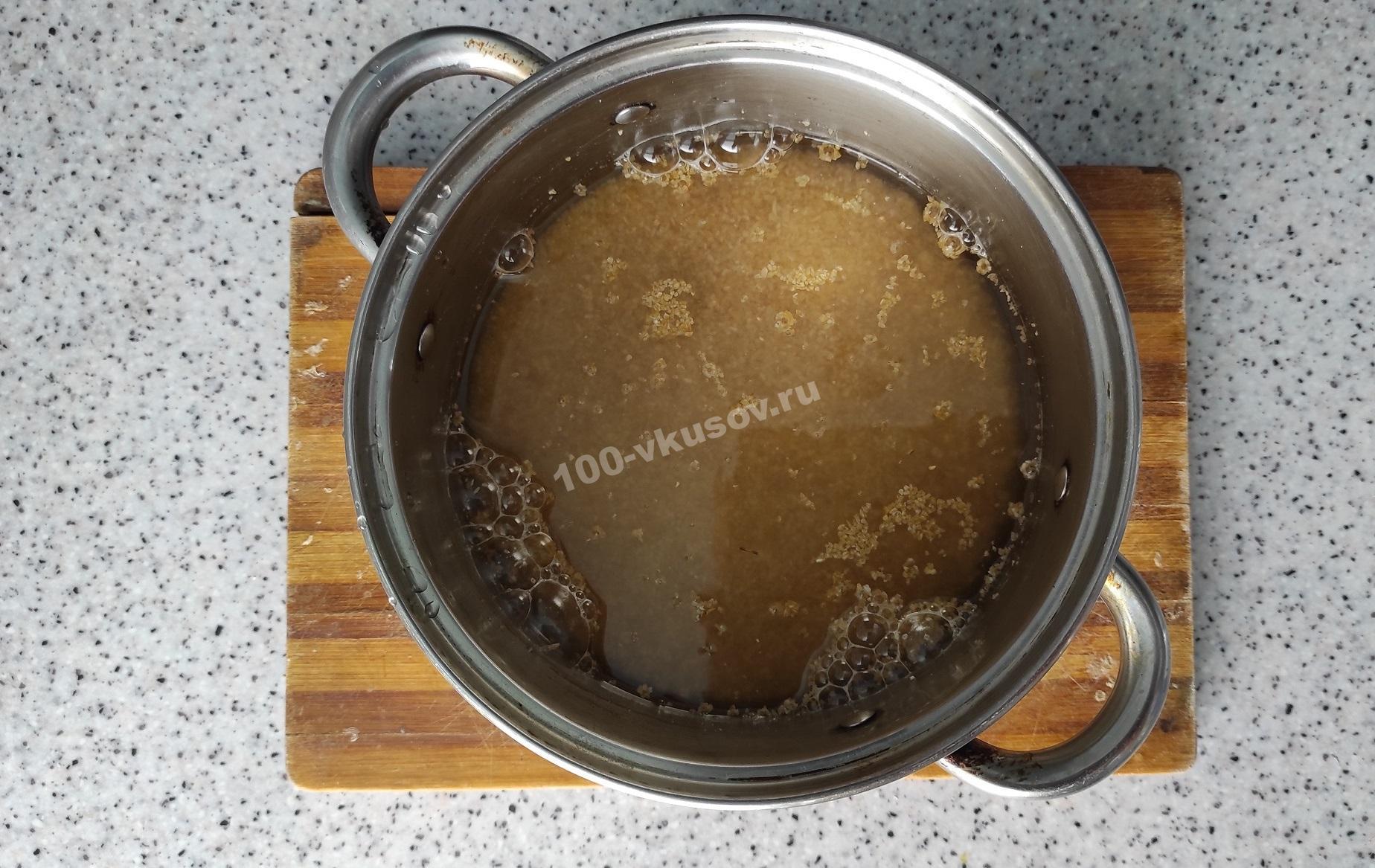 Пшеничная крупа в воде
