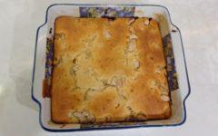 Заливной пирог на кефире с курицей