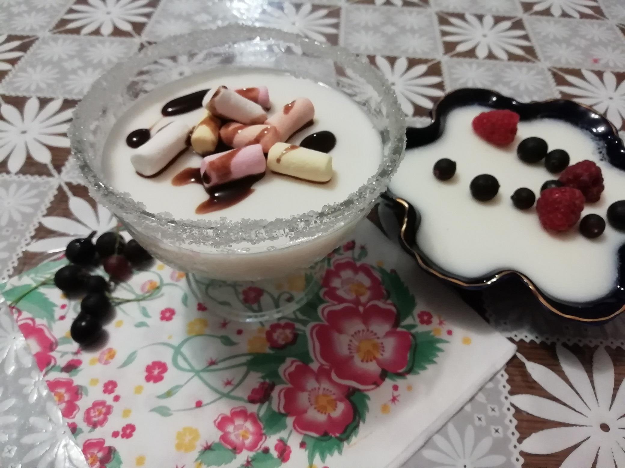 Молочное желе с желатином