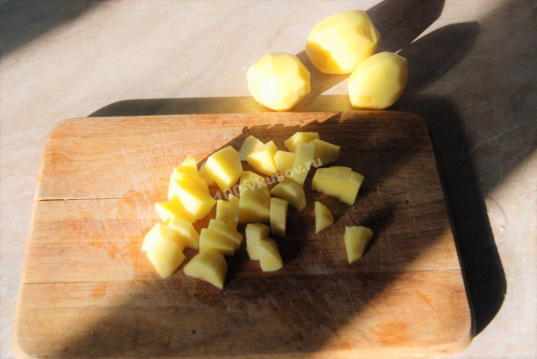 Нарезанный для супа картофель