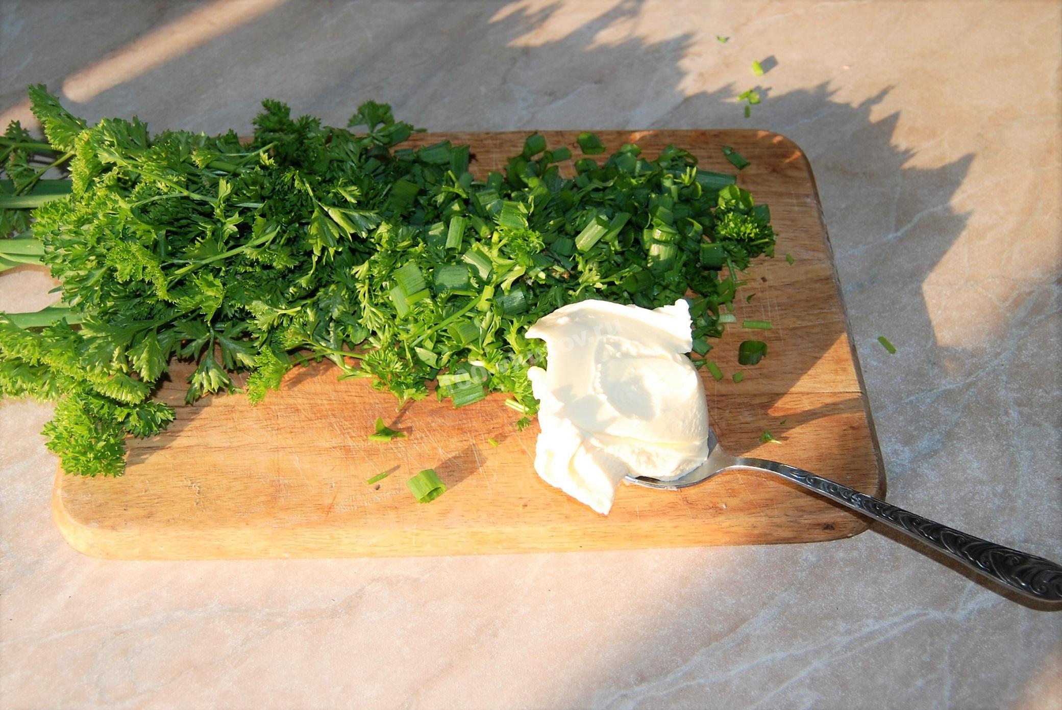 Зелень и плавленый сыр